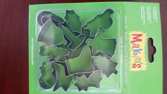 """12 piece Christmas cookie cutter set with sizes from 7/8"""" to 1-3/4"""" tall helps you celebrate the holidays"""