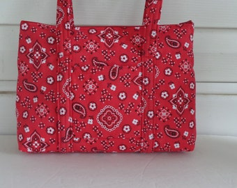 Red White Black Paisley Print Quilted Purse