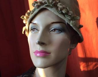 Hat fur shaved 1950 / lamp shade with flower Hat / Fascinator vintage women's