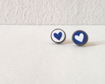 Pow! MINI - mismatch blue&white hearts - Paper on Wood earrings - stud earrings - heart