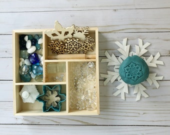 Frozen Play Dough Tinker Tray / Winter Play Dough Kit / Winter Toys / Playdough Kit / Homemade Play Dough / Homemade Playdoh