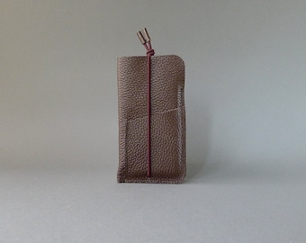 phone cover with card slot - chocolate leather & elastic strap - iPhone