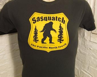 Size S (38) ** Sasquatch Big Foot Shirt (Single Sided)