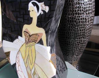Original florero de porcelana pintada