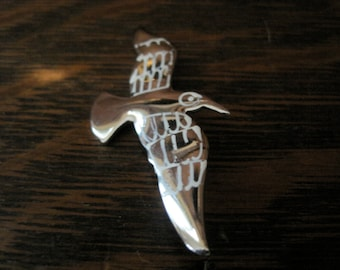 Vintage Silver & White Sea Gull Brooch