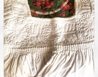 Vintage White on White Embroidered Mexican Peasant Blouse
