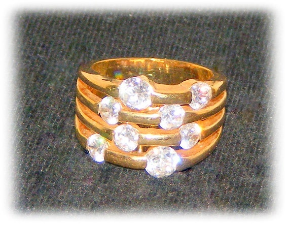 WIDE BAND RING with Faux Diamonds (sz 7)   (Ladies Ring)