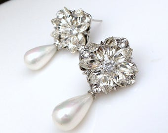 christmas prom bridal wedding bridesmaid gift Swarovski clear fancy marquise flower crystal rhinestone white or cream pearl post earrings