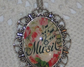 Lacy Scalloped Silvertone Rose Accented Music Notes & Script Cameo Pendant Necklace Brooch Pin