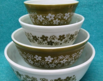 Pyrex Mixing Bowl Set Round Crazy Daisy 4 Piece - 3 Sets Available
