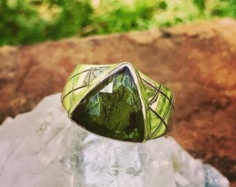 Genuine Moldavite Ring. Silver 950. 8 3/4 US Size (n.5)