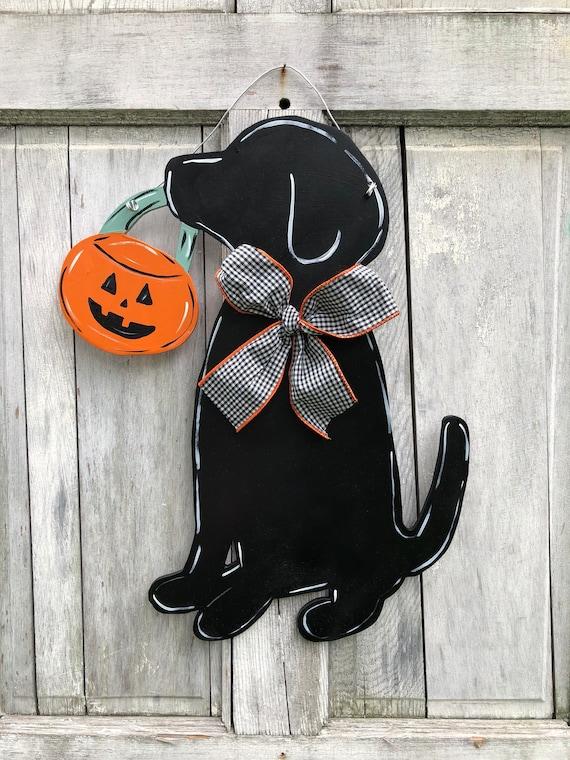 Halloween door hanger, labrador door hanger, fall door hanger, dog with pumpkin, Hand painted, personalized, custom, dog, door hanger