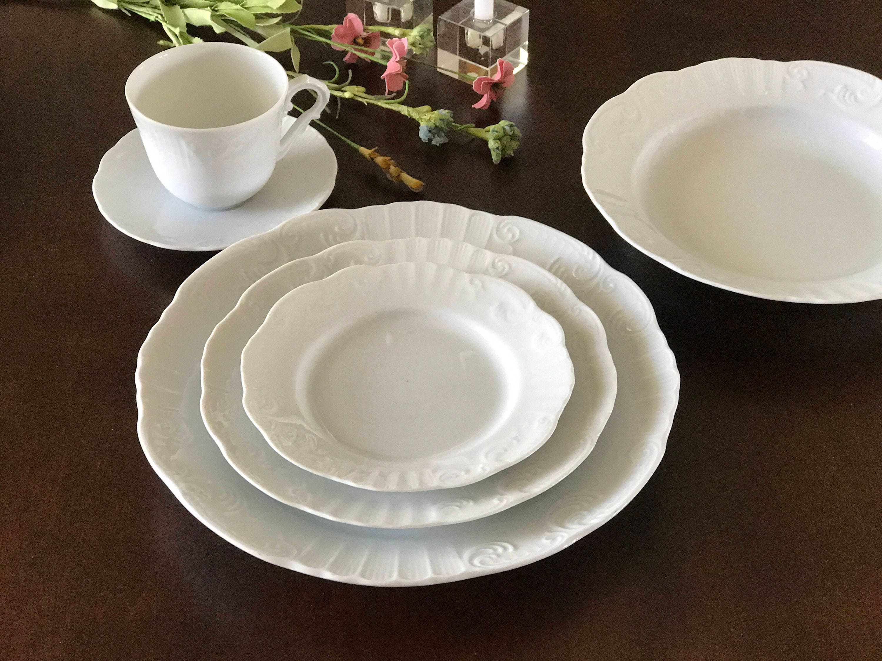 42 Piece Fine Porcelain Dinnerware Set; Vista Alegre Manueline White made in Portugal & 42 Piece Fine Porcelain Dinnerware Set; Vista Alegre Manueline White ...