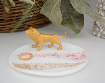 Lion Trinket dish - Jewelry Dish - Ring Dish - Brides gift - Lion decoration - Luxurious gift