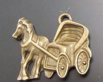 2 charms bronze metal horse and carriage