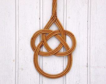 Vintage Cane Rug Beater - Carpet Beater - Jewelry Holder - Wall Decor