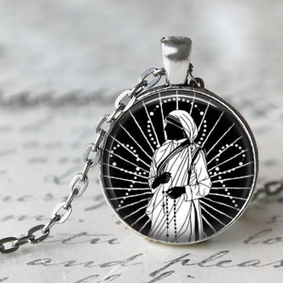 Mother Teresa Art Pendant - Catholic Jewelry, Mother Teresa Necklace with 24 inch chain - Love to Pray