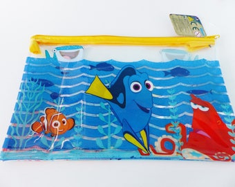 clutch purse in the world of Nemo Dory 23.5 x 16 cm pouch back to school