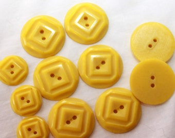 Vintage Goldenrod Yellow Square Motif Sew Thru Buttons - Large - 27 mm (6)