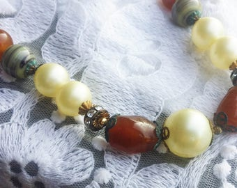 Vintage Boho Pearl, Rhinestone, and Amber Stone Necklace - 1950 - Excellent Condition -  Birthday - Bridal Shower - Vintage