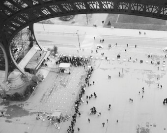 Line at the Eiffel Tower, Paris