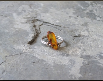 Asymmetrical Amber and Sterling Silver Wire Ring, size 7.5