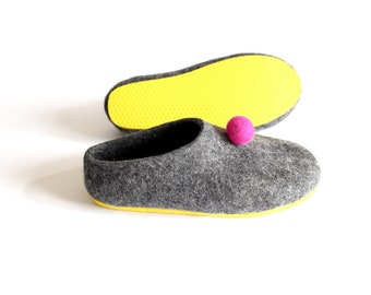 Pom Pom Felted Shoes Felted Wool Slippers, Wool Felt Balls Felted Slippers, Felt Slippers Womens Home Slippers Friend Gift Colorful Lounging
