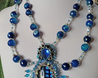 Necklace with pearls briolet of chalcedony, swarovki crystals, cabochon glass nestled with embroidery with Swarovski crystals and beads