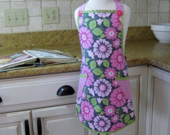 Girls Apron, Pink Floral Apron, 7-8 Year Old Apron, Girls Cooking Apron, Kitchen Apron, Gift Under 25, Handmade Girl's Apron