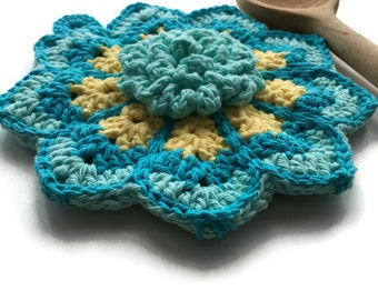 Crochet Flower Potholder, Made From Vintage Style Pattern, Kitchen Decor, Hot Pad, Handmade Cotton Potholder, Vintage Kitchen - Gift for Her