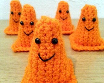 Construction Cones, Crochet Amigurumi Set of 5, Kids' Toy, Construction Party Favors, Boy Birthday Decorations, Made to Order