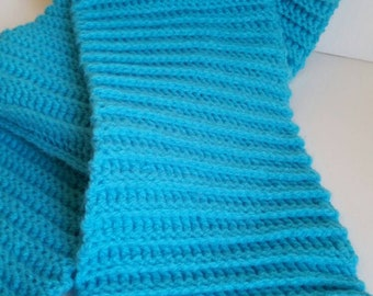 Turquoise crocheted springy scarf