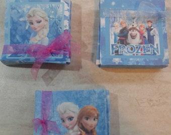 Box party favors Frozen