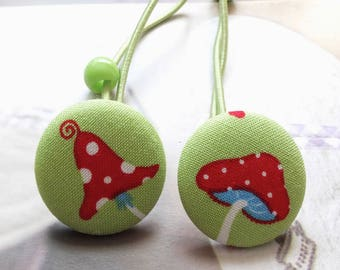 Girl Hair Accessories, Big Hair Tie Button Ponytail Holders-Wonderland Shabby Dots Polka Dots Red Mushroom On Green(1 Pair)