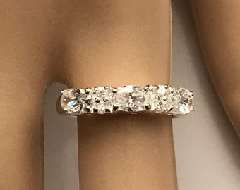 Sterling Silver Oval and Rounds Cubic Zirconia Rhinestone cz Band Ring