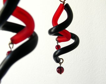 Black Red dangle earrings spiral - minimalist geometric tribal earrings boho rubber curls modern design