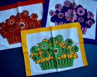 Kitchen linen, kitchen towels, towel, cloth, terry, flowers, Flower power, 70s, Midcentury