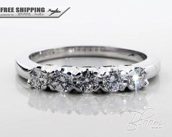Anniversario anello oro bianco Eternity anello vero diamante eternità anello cinque pietra diamante anello 18kt oro bianco Bloom gioielli con diamanti