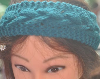 Woman's Cabled Headband