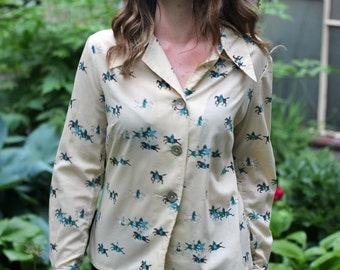 One of a kind beautiful vintage shirt blouse with HORSES print