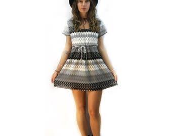 Vintage retro 90s chevron mini dress // size small medium large