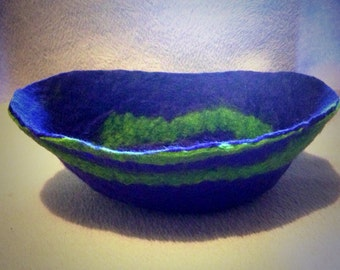 Hand felted bowls and pods, made to order  (free pp in uk)
