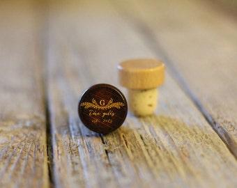 BEST PRICE ** Lot of Personalized Custom Wine Stopper, Laser Engraved Cork Bottle Topper, Reusable Rustic Wedding Favor --WS-dg-Gills