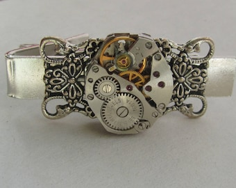Steampunk Gothic Victorian Tie Clip vintage watch movement Mens gifts Silver Tie Bar Mens gears Tie Tack Industrial chic Gifts For Him