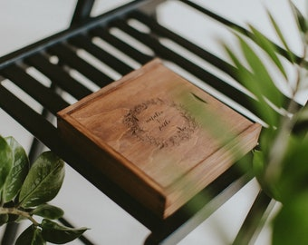 Wooden Box For 4x6 Prints + USB flashdrive   8 GB   Packaging For Wedding Photographers