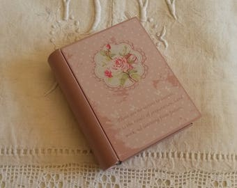 Sewing book-shaped metal box / shabby chic sewing box / box buttons