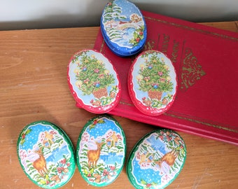 6 Lillian Vernon Christmas Candle Tins, 2.5x3.5x1 Inches, 3 Different Scenes and Scents, In New Condition, Two Wick Candles, Winter, Deer