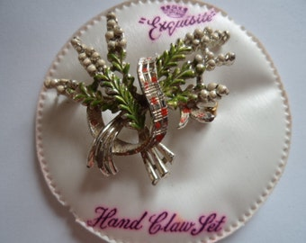 Vintage Signed Exquisite Lucky White Heather Brooch/Pin