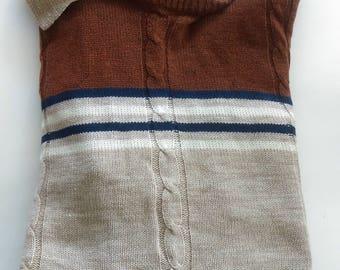70s tan collared knit acrylic/wool sweater, size medium / large