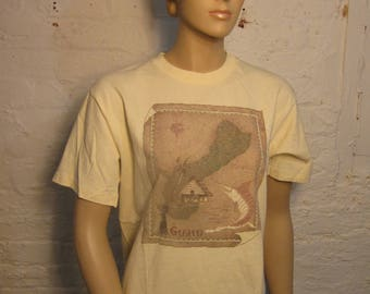 Size Women's Large (39) ** 1980s Guam Shirt (Single Sided)  **